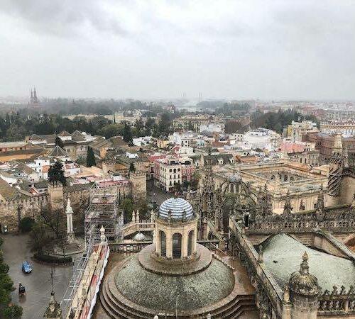 Der Regen begleitet uns nach Sevilla.