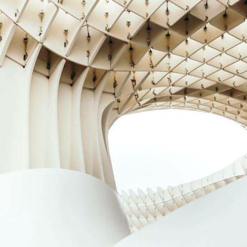 Sie lebt auch von ihrer modernen Architektur und dem wunderbaren Essen.