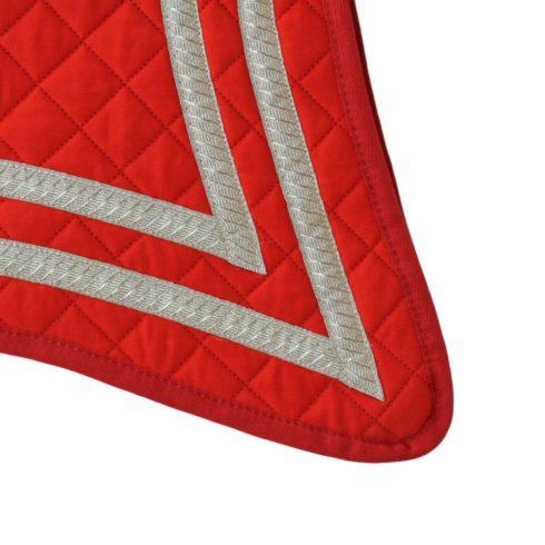 Barock Schabracke Alta Escuela Geschweift in spanischen Farben Rot Silber Detail 1 Picadera