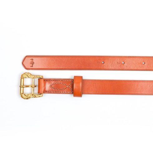 Barocke Steigbügelriemen aus havannafarbenem Leder mit goldenen Cortesia-Schnallen bei Picadera