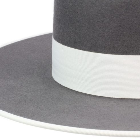 Spanish Felt Hat for Riding in Grey with white outlining at Picadera