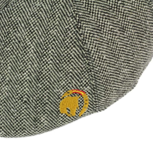 Flat cap Vaquera style with horse embroidery in green at Picadera Detail
