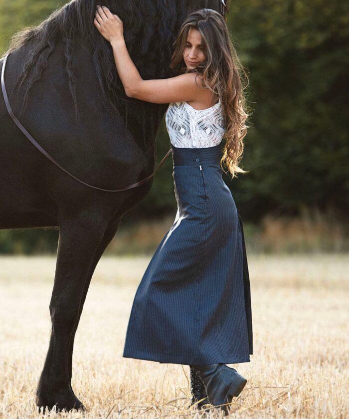 Hosen Reitrock in Blau gestreift von Picadera Seitansicht